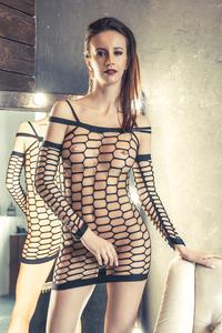 Платье-сетка Erolanta Net Magic бесшовное с рукавами, черное, S/M